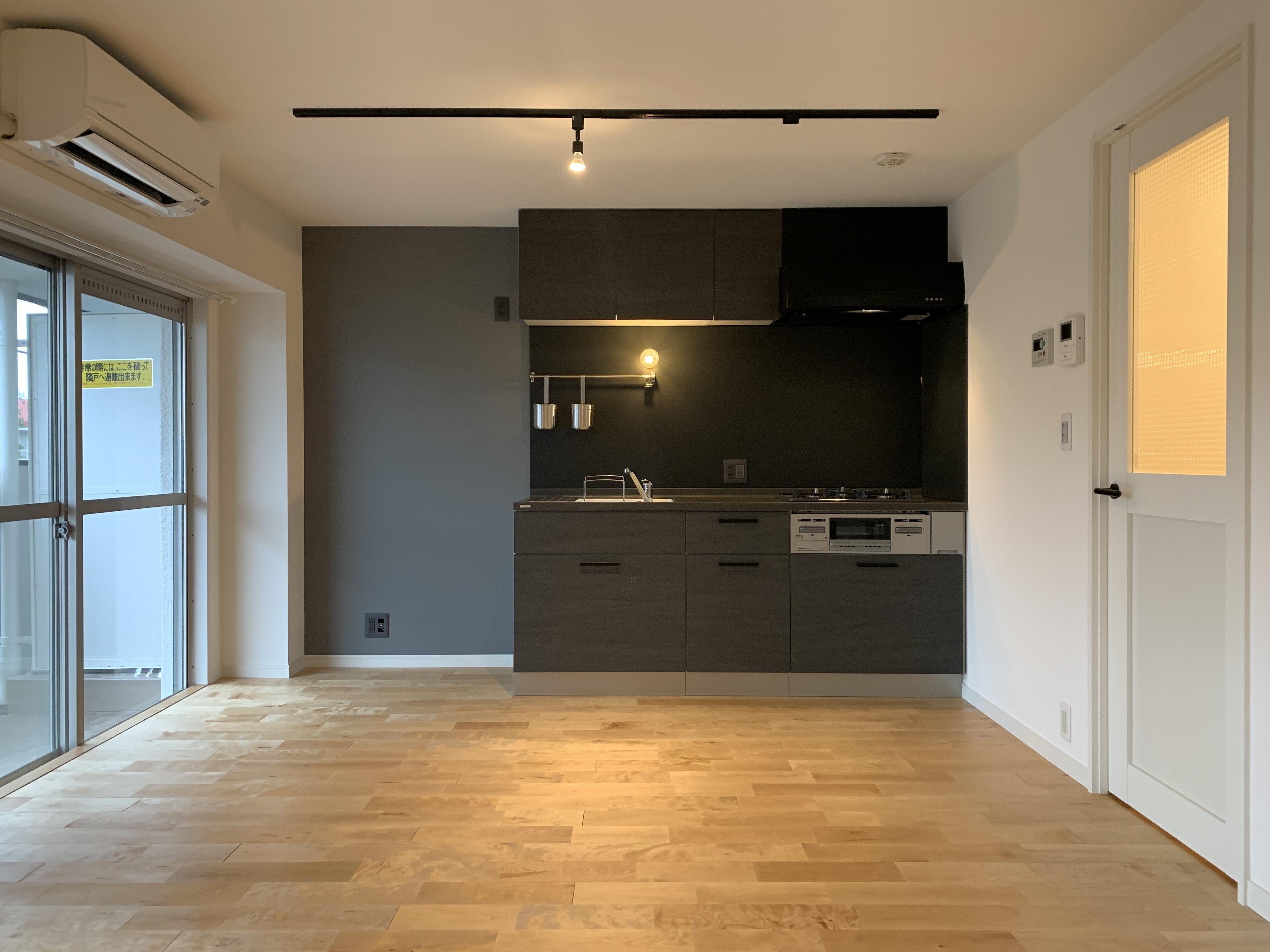 フォンタナ4のグレー天板キッチン