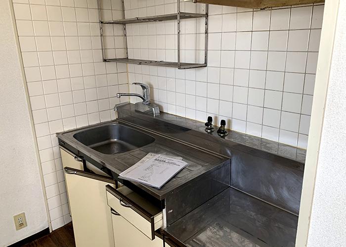 リノベーション前のキッチンです