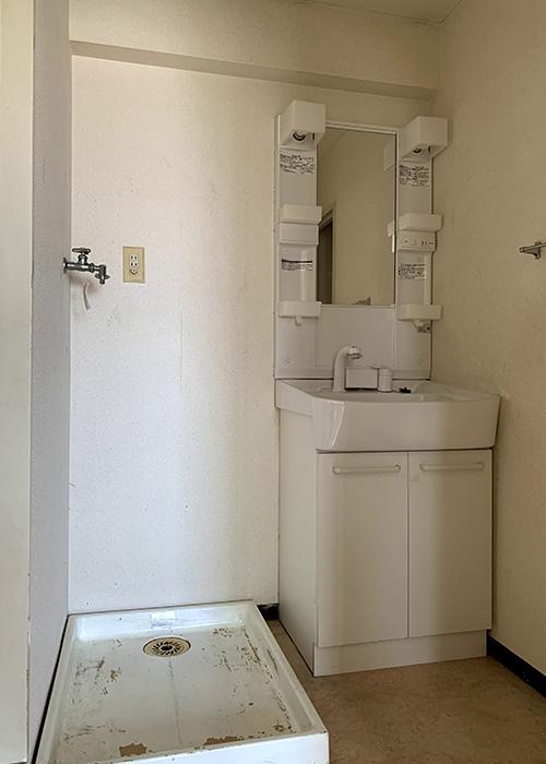 リノベーション前の洗面所です