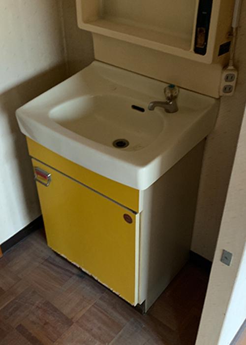 リノベーション前の洗面台です
