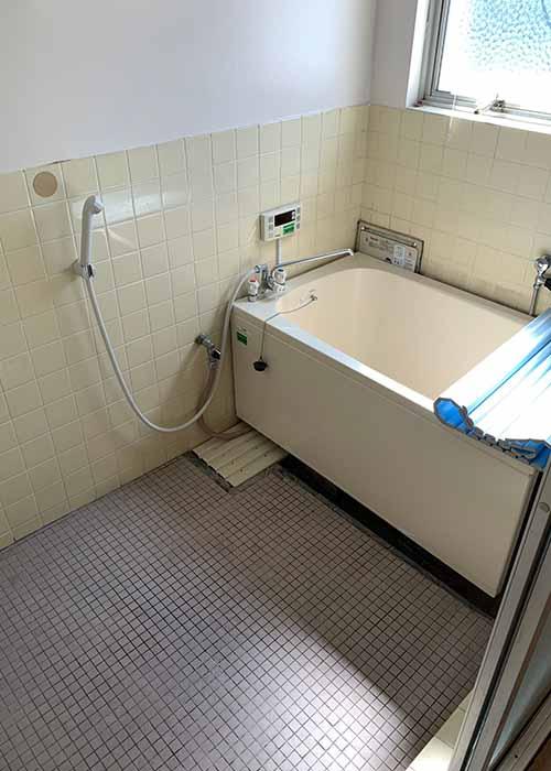 リノベーション前の浴室です
