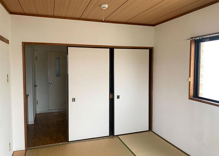 リノベーション前の寝室です